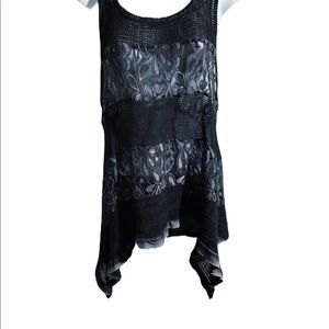 Tops - Lace tank top hi-lo black grey two tone